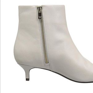 8a6246a1fe77 Taryn Rose Shoes - Nora Ankle Boots in Chalk